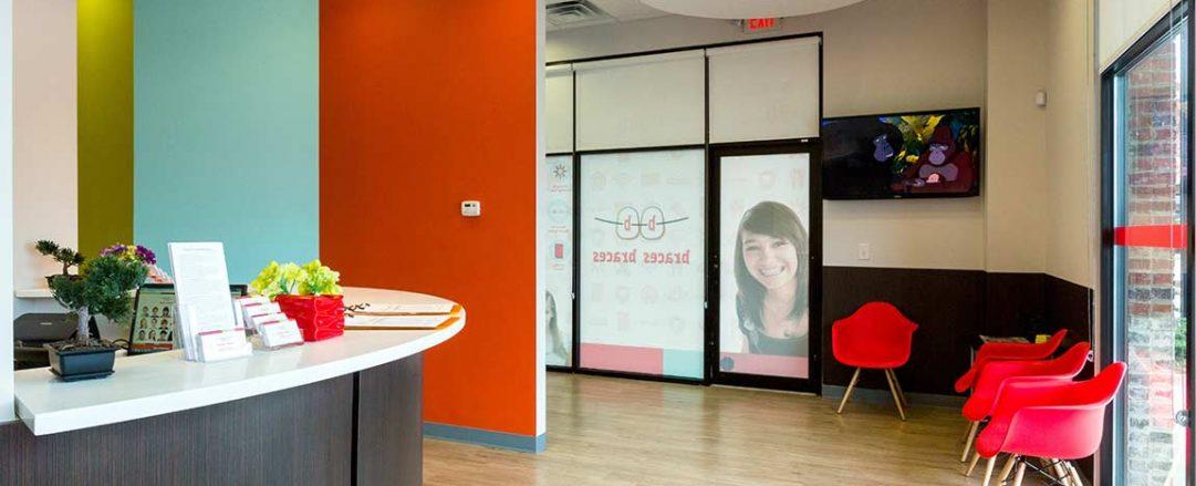 Kid-friendly interior lobby of top rated Hiram orthodontist office, Braces Braces in Hiram